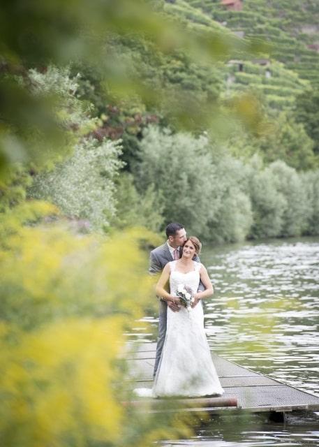 Hochzeitslocation Stuttgart, Hochzeit in Stuttgart, Freie Trauung, Hochzeit am Wasser, Heiraten in Stuttgart, Hochzeitsdeko in grau, silber und altrosa